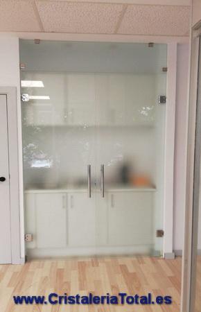 puertas de vidrio para cocinas y baños